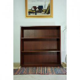 Sold/Book Shelf (M)
